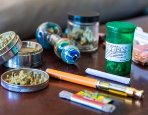 Benefits of an Online Headshop